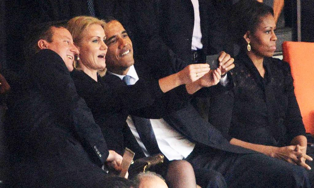 mandela-johannesburg-obama-selfie-131210