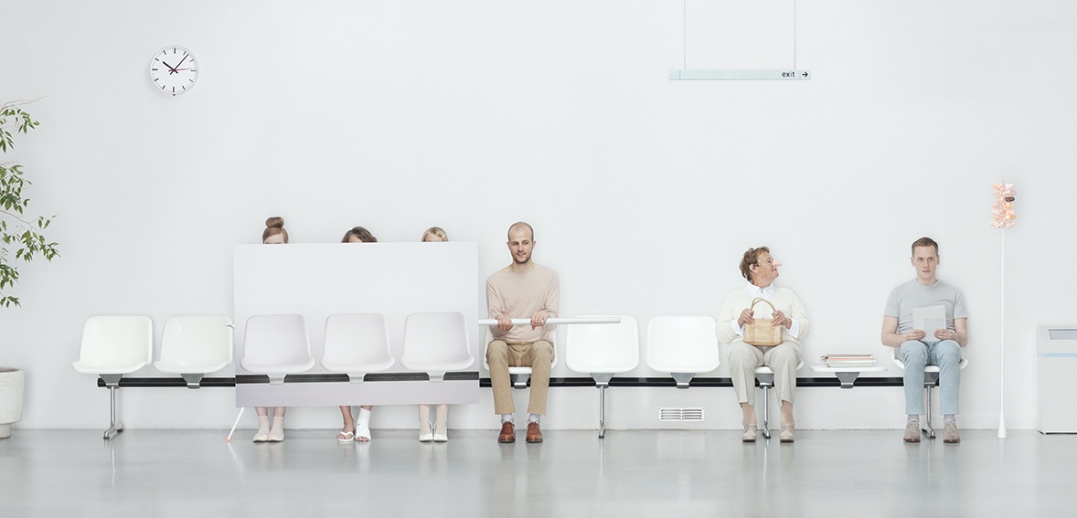 Philip Lüschen - Waiting Room Survival